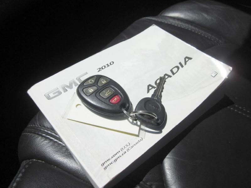 GMC ACADIA 2010 price $8,999