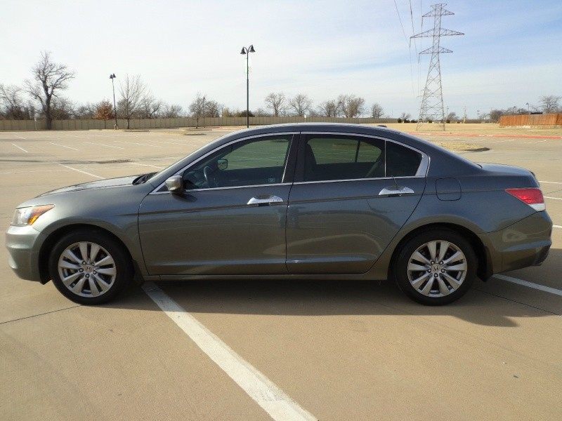 Honda Accord Sdn 2012 price $9,999