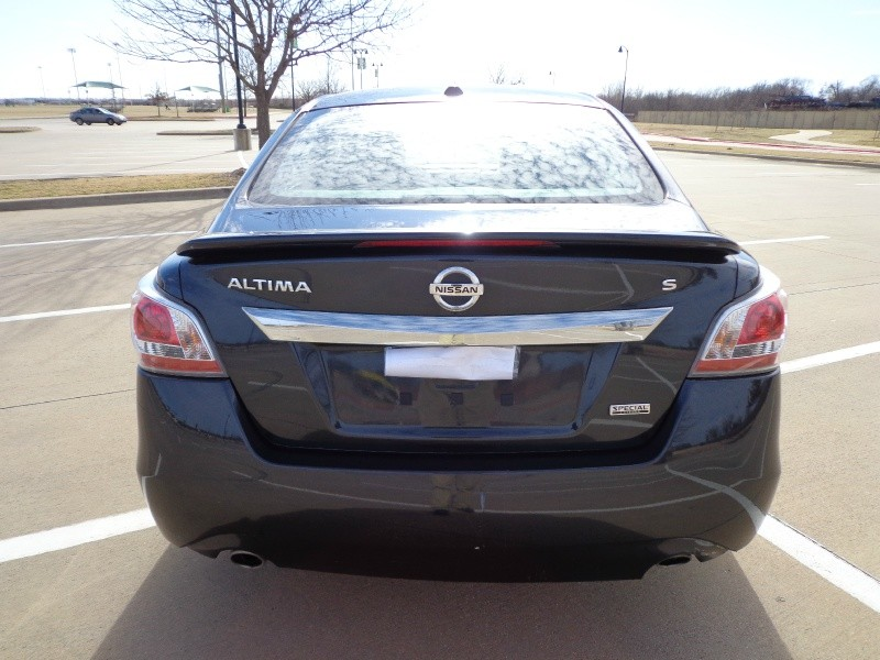 Nissan Altima 2015 price $9,699