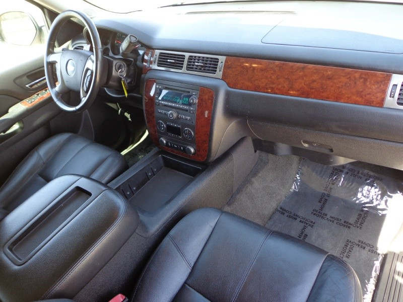 Chevrolet Suburban 2012 price $13,699