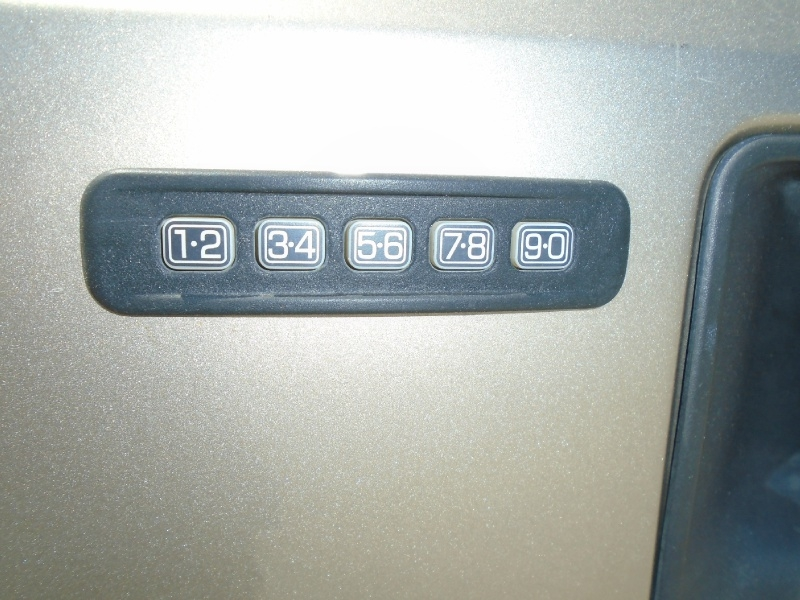 Ford Super Duty F-250 2005 price $8,999