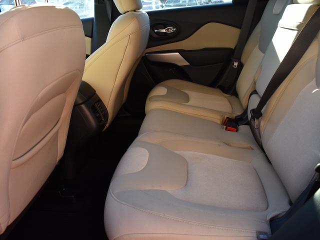 Jeep Cherokee 2017 price $17,595