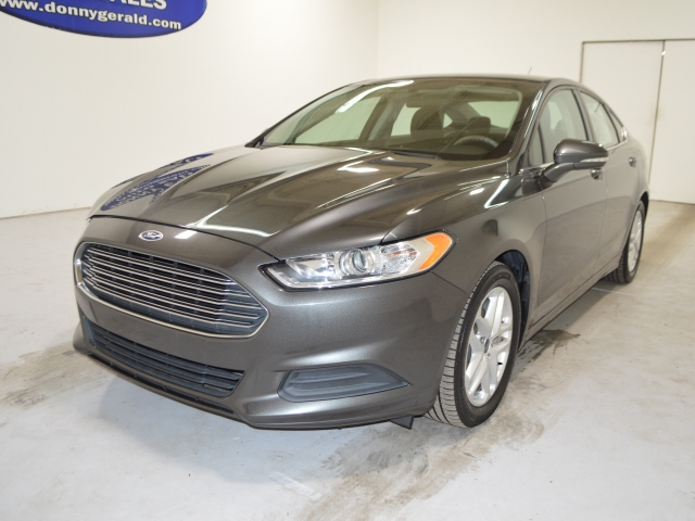 Ford Fusion 2016 price $12,800