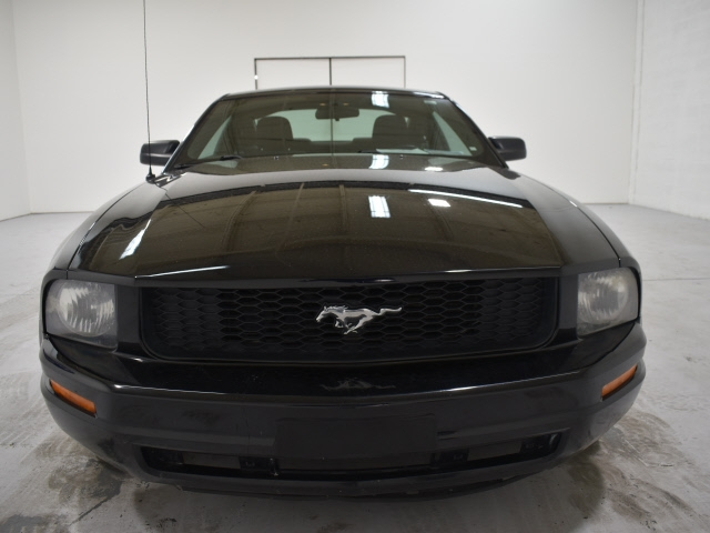 Ford Mustang 2007 price $5,995