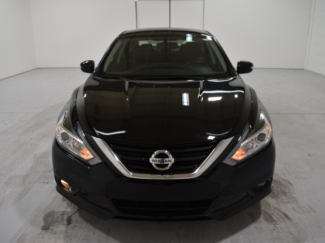 Nissan Altima 2018 price $15,900