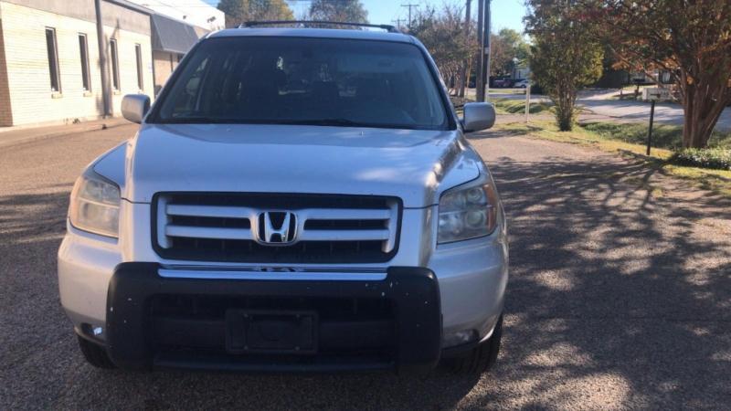 Honda Pilot 2007 price $3,900