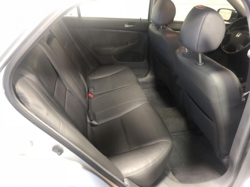 Honda Accord Hybrid 2005 price $2,980