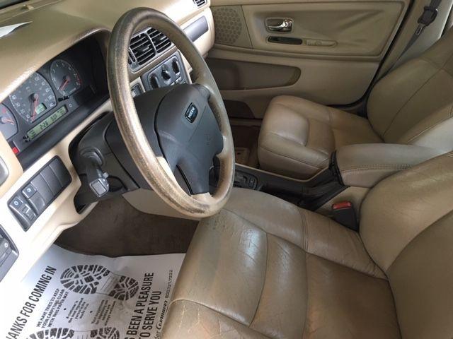 Volvo S70 2000 price $2,980