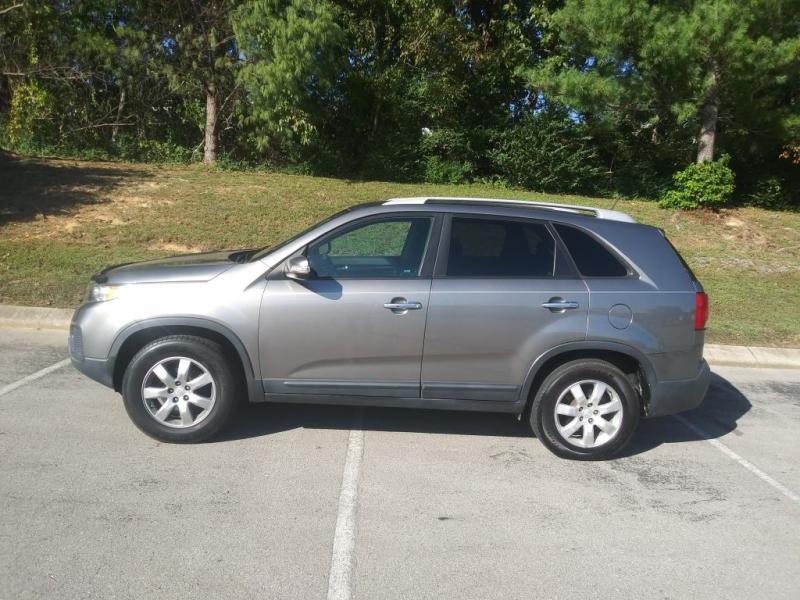 Kia Sorento 2011 price $6,980