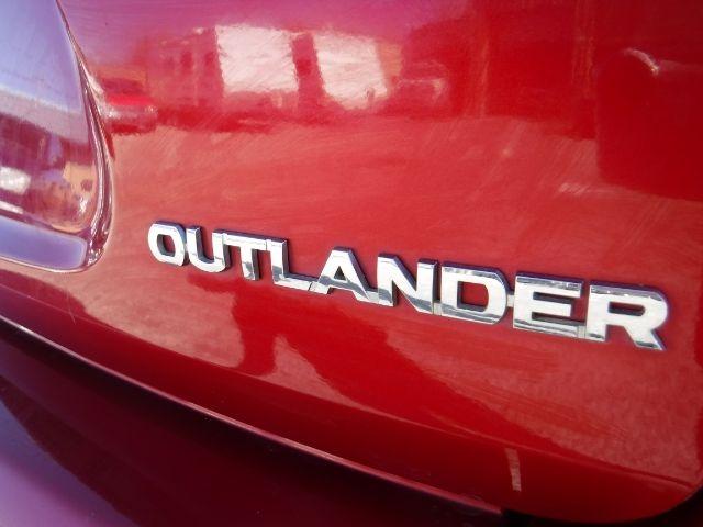 Mitsubishi Outlander 2013 price $10,888