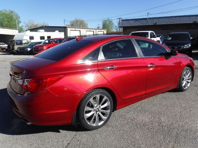 Hyundai Sonata 2012 price $9,333