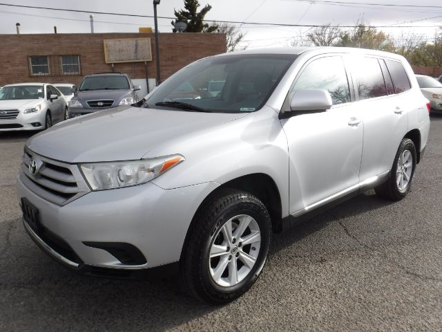 Toyota Highlander 2013 price $16,333