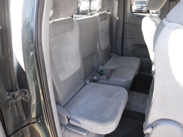 Toyota Tacoma 2011 price $13,333