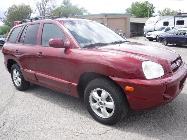 Hyundai Santa Fe 2005 price $4,555