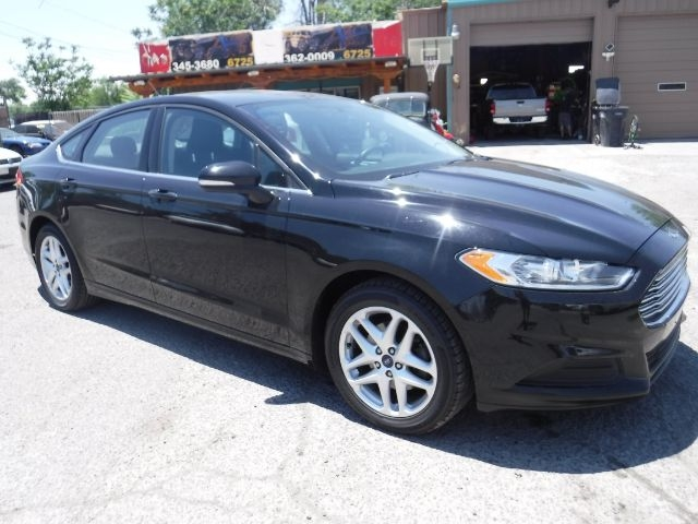 Ford Fusion 2016 price $10,888