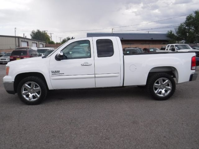 GMC Sierra 1500 2013 price $10,888