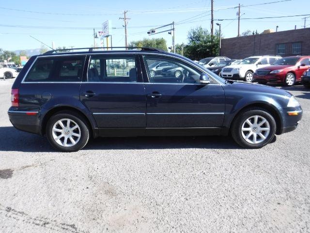 Volkswagen Passat Wagon 2004 price $3,888