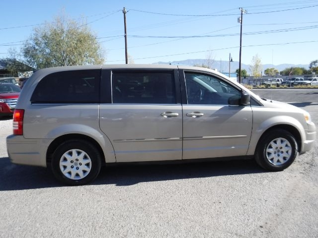 Chrysler Town & Country 2009 price Call for Pricing.