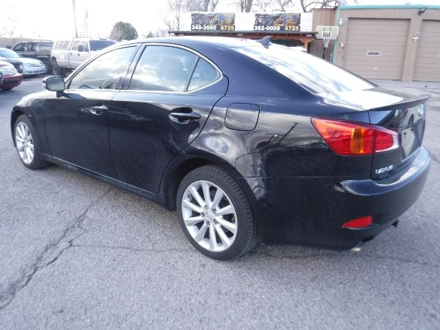 Lexus IS 2010 price $9,333