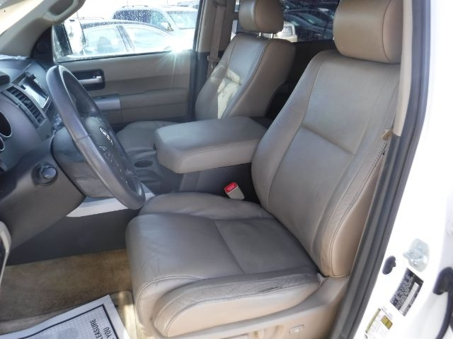Toyota Sequoia 2008 price $16,333
