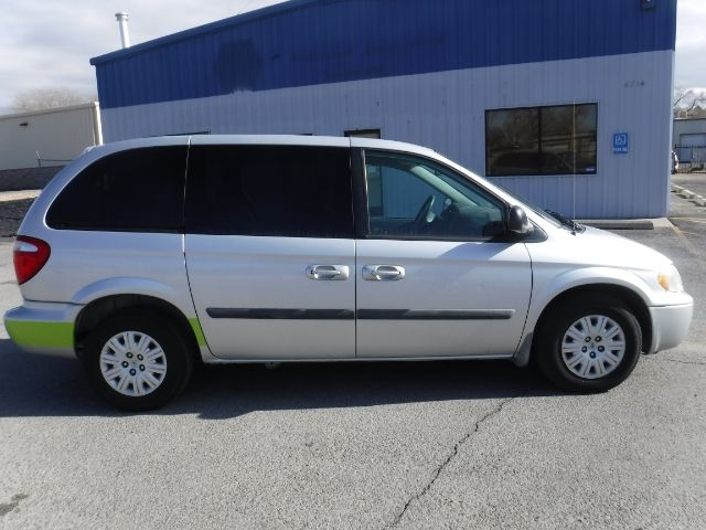 Chrysler Town & Country 2006 price $3,777