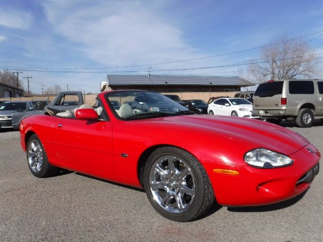 Jaguar XK8 2000 price $6,555