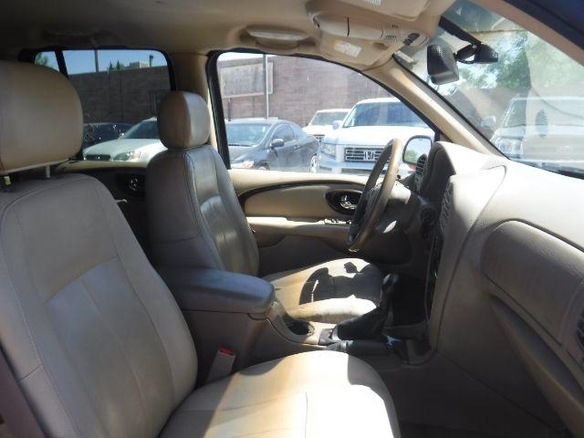 Buick Rainier 2004 price $5,888
