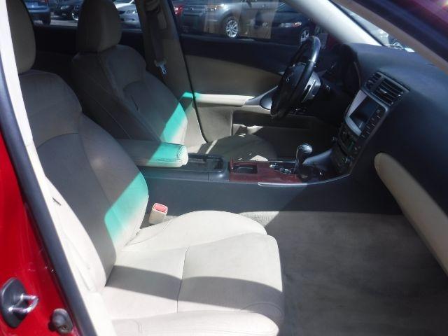 Lexus IS 2006 price $7,333