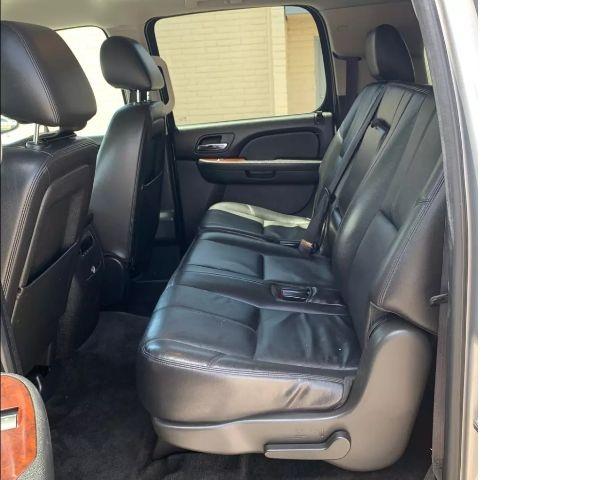Chevrolet Suburban 2013 price $16,888