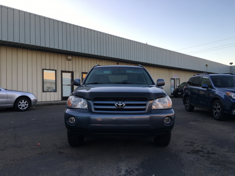 Toyota Highlander 2005 price $4,995