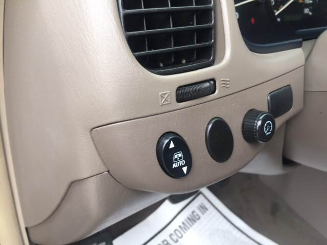 Toyota Sequoia 2005 price $6,995