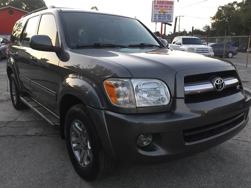 Toyota Sequoia 2005 price $8,995