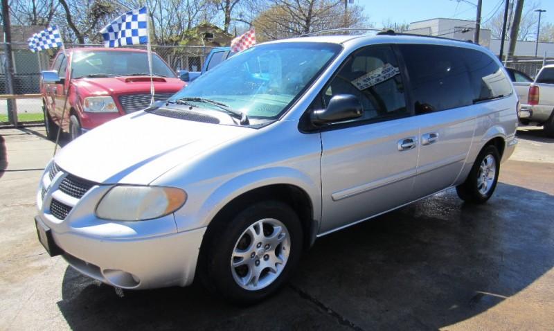 Dodge Caravan 2004 price $2,899