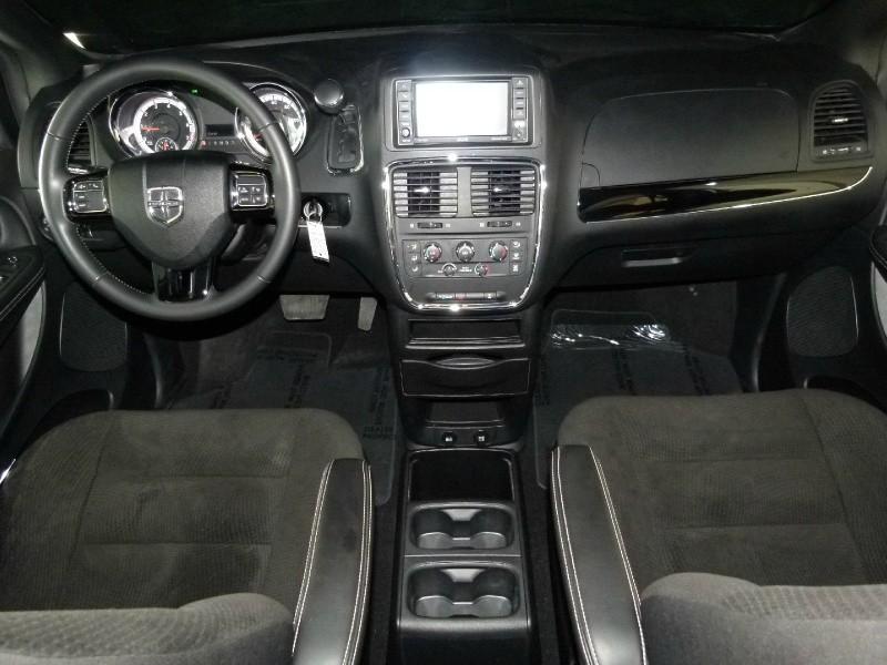 Dodge Grand Caravan 2018 price $16,817