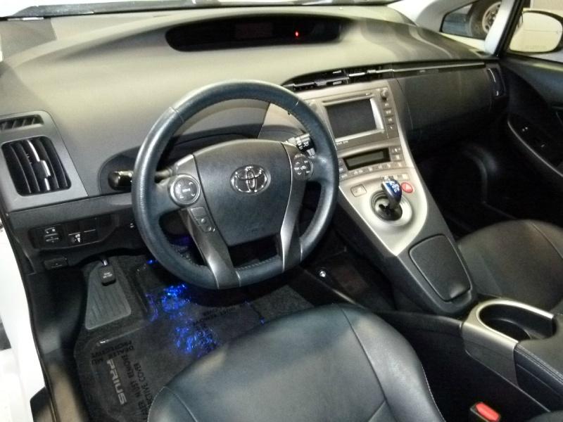 Toyota Prius 2015 price $15,000