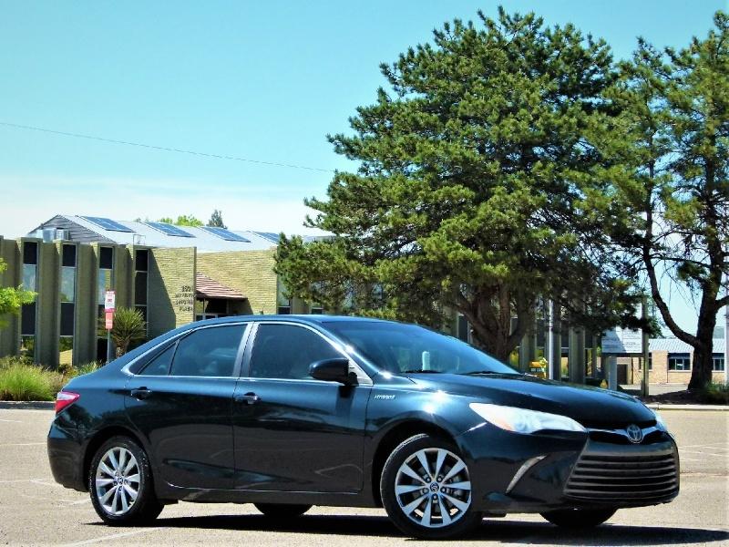Toyota Camry Hybrid 2015 price $12,700