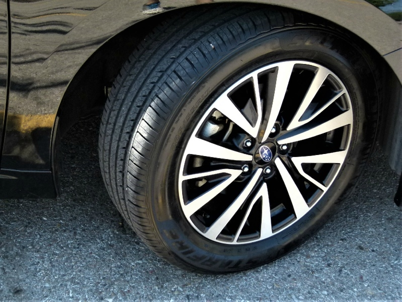 Subaru Legacy 2018 price $17,500