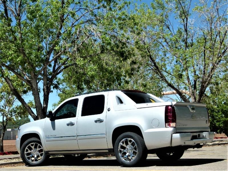 Chevrolet Avalanche 2013 price $23,900