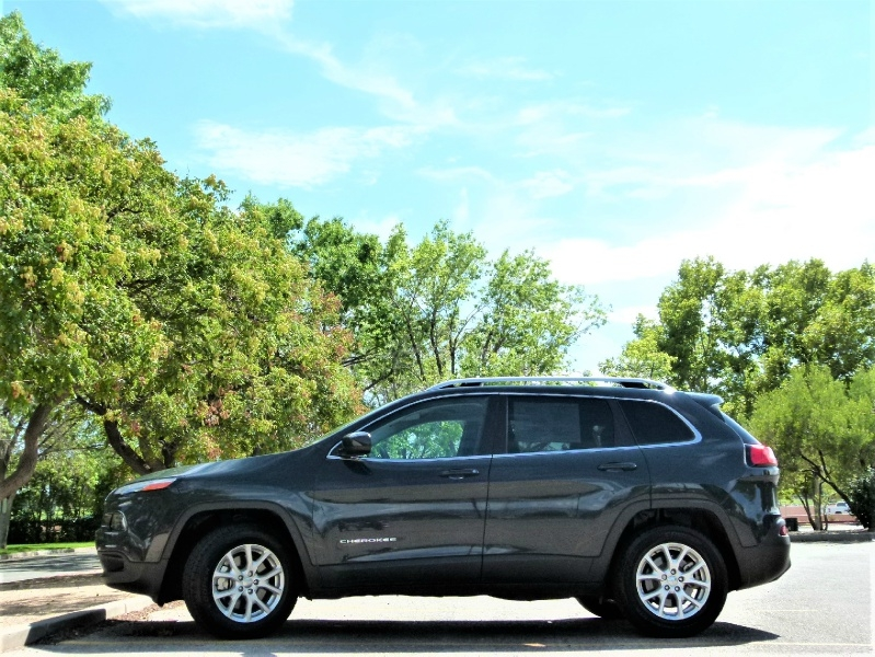 Jeep Cherokee 2018 price $18,275