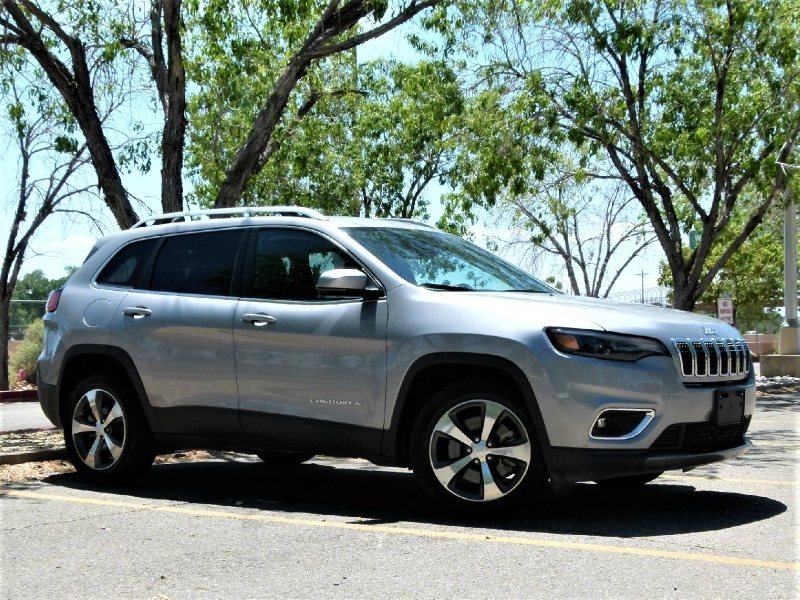 Jeep Cherokee 2020 price $25,000