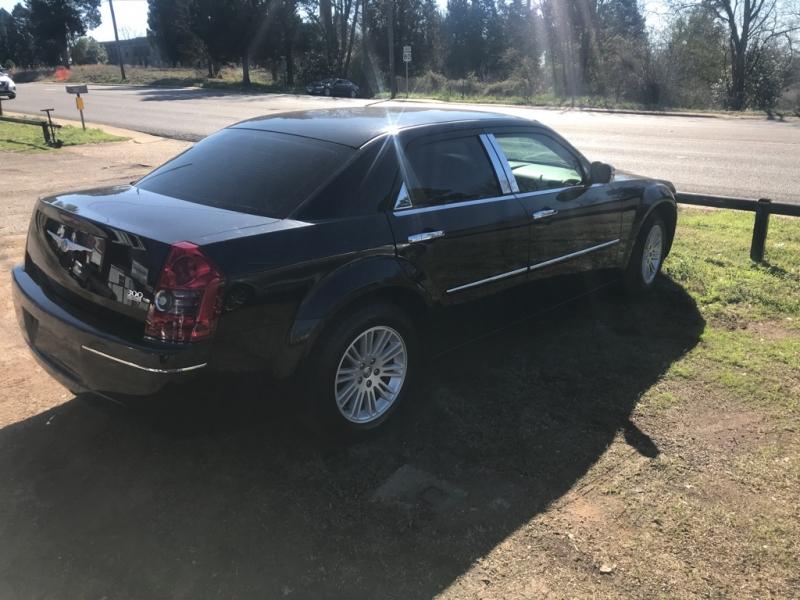Chrysler 300 2010 price $8,500