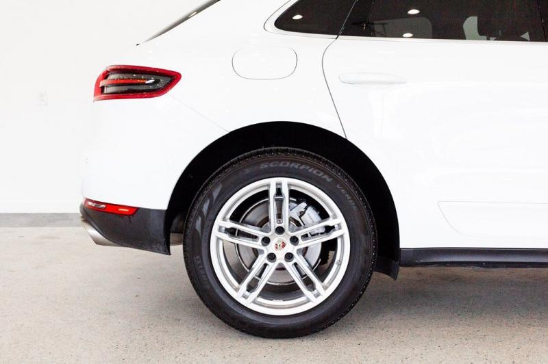 Porsche Macan 2016 price $45,555