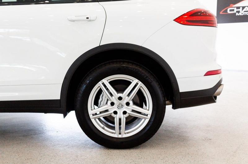Porsche Cayenne 2017 price $62,795