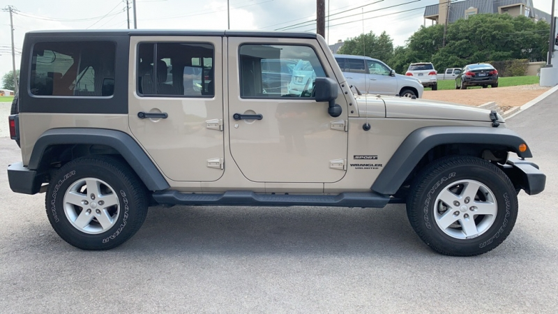 Jeep Wrangler Unlimited 2016 price $29,950