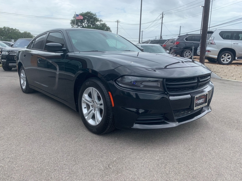 Dodge Charger 2017 price $17,995