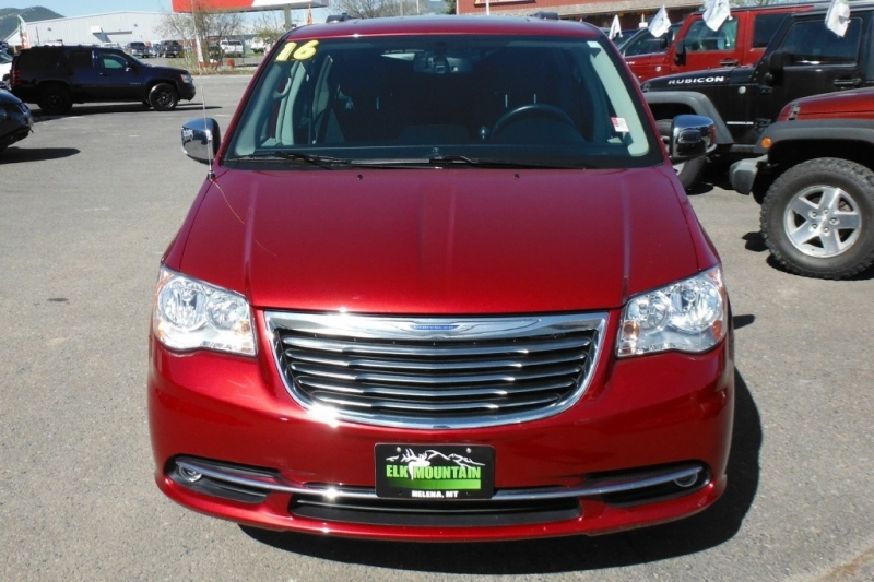 CHRYSLER TOWN & COUNTRY 2016 price $24,987