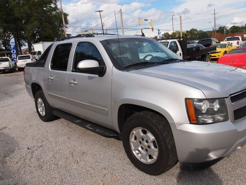 Chevrolet Avalanche 2011 price $10,988