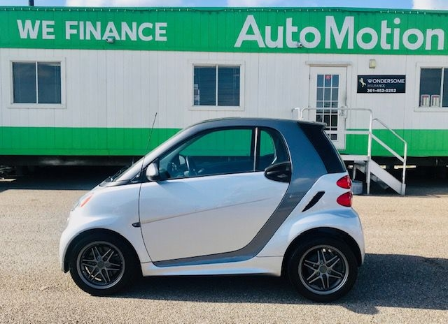 Smart fortwo 2015 price $8995/$900 Down