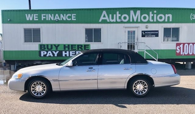 Lincoln Town Car 2002 price $7995/$900 Down