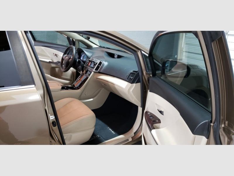 Toyota Venza 2011 price $9,599